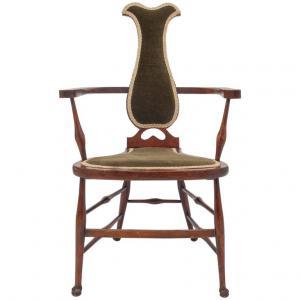 旧英语高脚椅