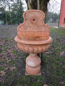 Fontana da muro baccellata - H 148 cm - Marmo Rosso Verona - 19° secolo - 3 moduli - Venezia