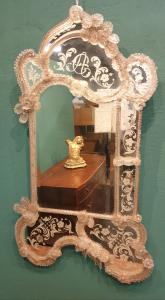 Венецианское зеркало в стекле второй половины девятнадцатого века