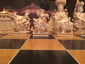 Eccezionale scacchiera in avorio,fine XIX sec,Cina