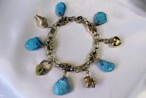 Bracelet with turquoise stones