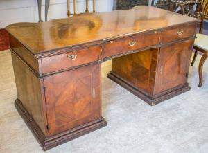 Extraordinary walnut wood veneer desk with drawers, moved to the front.VENICE 18th century.