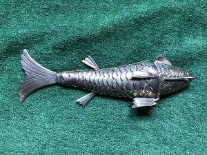 Pesce snodato in argento.Italia.