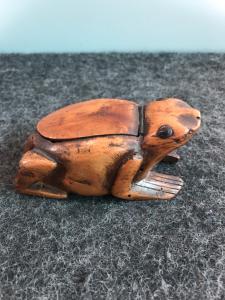 Boxwood boxwood depicting a frog.Europe