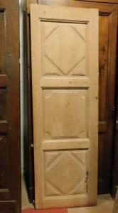 pti638 - porta / anta in pioppo semplice, a tre pannelli, misura cm l 63 x h 194