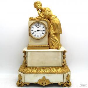 Antique Louis Philippe Pendulum Clock em bronze e mármore dourado - período 800