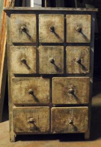 arm79 - Kommode aus dem 19. Jahrhundert, cm l 81 x h 121