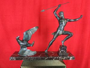Jean De Roncourt Art Deco Sculpture The Eagle Hunt H 64 Cm. 20th Century