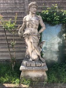 Stone statue 60x77x52 base, 90x50x180h statue
