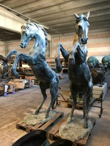 Pferde in Bronze