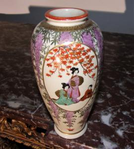 日本花瓶。