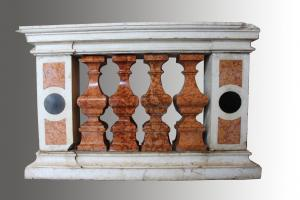 Pair of marble balustrades (period: late 17th century)