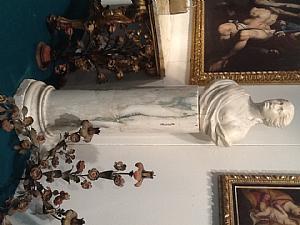 Busti in marmo con colonna