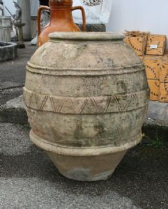 jarra de terracota antigua. Epoca 1800.