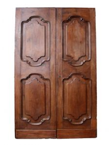 Antique walnut door with two doors. Period 1700.