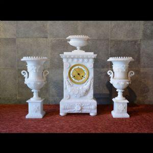 Antico orologio da caminoTrittico in alabastro del XIX secolo Francia
