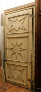 ptl443 large lacquered door with star panels and carved frame, h 290 x 142 cm