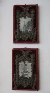 Coppia di cornici in lamierino sbalzato - portafoto - con stampe navali - belle!