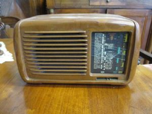 Small antique radio brand Minerva - 50/60 years to revise - very beautiful