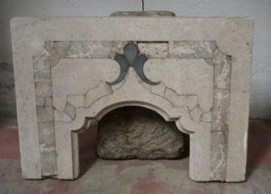 Fragment de tabernacle en marbre antique. Epoca 1700.