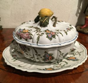 Antonibon Tureen in decorum Tacchiolo